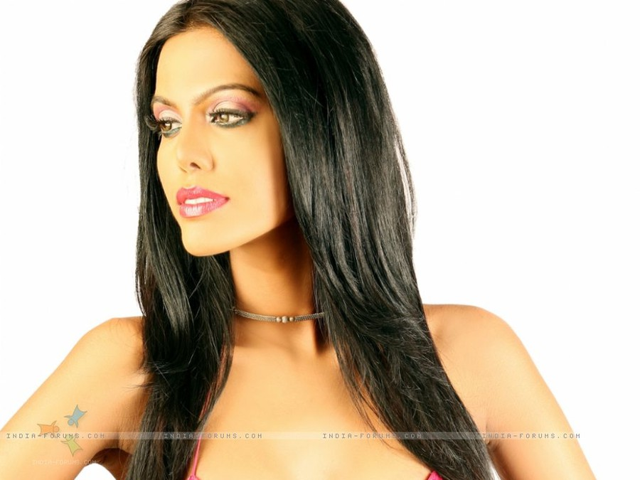 Natasha Suri model  Face Natasha Suri Wiki