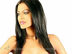 Natasha Suri model. Photoshoot of model Natasha Suri demonstrating Face Modeling.Face Modeling Photo #122650