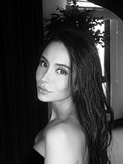 Negin Sadeghisisan model. Photoshoot of model Negin Sadeghisisan demonstrating Face Modeling.Face Modeling Photo #172652