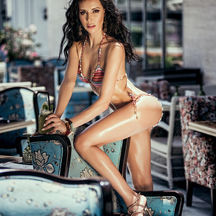 Nesrin Sanad model & actress. Photoshoot of model Nesrin Sanad demonstrating Body Modeling.Body Modeling Photo #191951