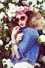Nicole Ametrine model. Photoshoot of model Nicole Ametrine demonstrating Face Modeling.Face Modeling Photo #109542