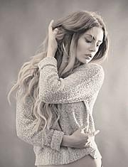 Nicole Ametrine model. Photoshoot of model Nicole Ametrine demonstrating Face Modeling.Face Modeling Photo #109556