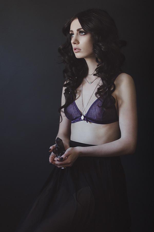 Nicole Ametrine model. Nicole Ametrine demonstrating Editorial Modeling, in a photoshoot by Laura Jean.photographer:Laura Jeanhair and makeup:Julija StojakovicEditorial Modeling Photo #84600