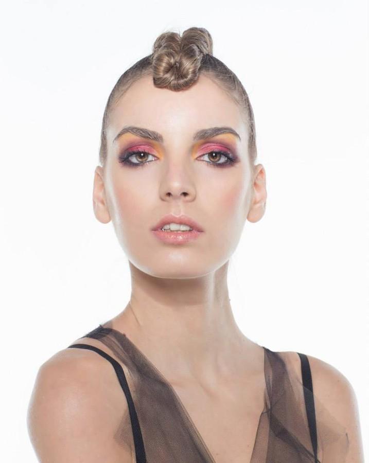 Nicole Andrea model (modella). Photoshoot of model Nicole Andrea demonstrating Face Modeling.Face Modeling Photo #129189