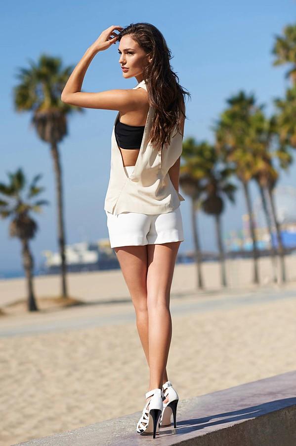 Nicole Domecus model. Nicole Domecus demonstrating Fashion Modeling, in a photoshoot by Yitzhak Dalal.Photographer Yitzhak DalalStylist: Dana GoldenbergHair and mu: Kerrie UrbanFashion Modeling Photo #126351