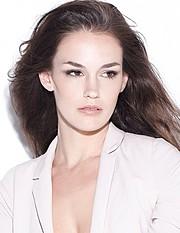 Nicole Domecus Model