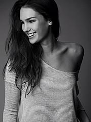 Nicole Domecus model. Photoshoot of model Nicole Domecus demonstrating Face Modeling.Face Modeling Photo #126386