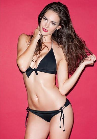 Nicole Domecus model. Photoshoot of model Nicole Domecus demonstrating Body Modeling.Body Modeling Photo #126389