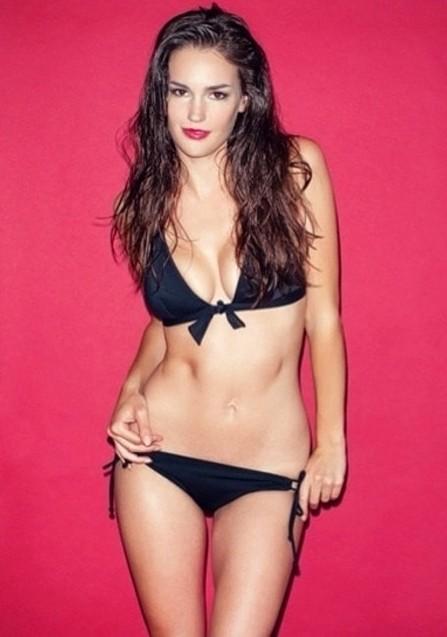 Nicole Domecus model. Photoshoot of model Nicole Domecus demonstrating Body Modeling.Body Modeling Photo #170360