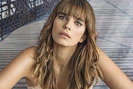 Η Νικολέτα Δρούγκα (γεννημένη το 1987) είναι επαγγελματίας μακιγιέζ με βάση την Αθήνα. Στις υπηρεσίες της περιλαμβάνονται όλα τα είδη μακιγι