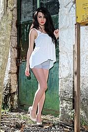 Η Νικολέτα Καλογιάννη είναι μοντέλο με Ρώσικη και Ελληνική καταγωγή με βάση την Αθήνα. Η Νικολέτα παράλληλα με το μόντελινγκ έχει σπουδάσει