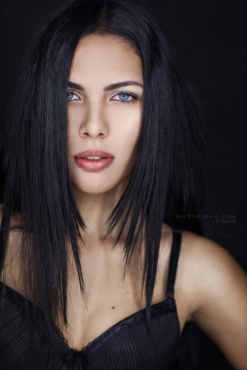 Nikos Vasilakis photographer (Νίκος Βασιλάκης φωτογράφος). Work by photographer Nikos Vasilakis demonstrating Portrait Photography.Portrait Photography,Beauty Makeup Photo #47849