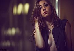 Noemi Straforini model (modella). Photoshoot of model Noemi Straforini demonstrating Face Modeling.Face Modeling Photo #92355