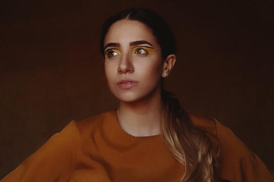 Nour Mahgoub model. Photoshoot of model Nour Mahgoub demonstrating Face Modeling.Face Modeling Photo #221171