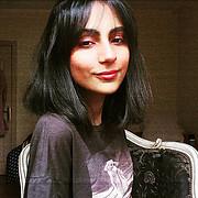 Nuran Khalid model. Photoshoot of model Nuran Khalid demonstrating Face Modeling.Face Modeling Photo #231739
