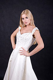 Olga Rusan fashion designer (модельер). design by fashion designer Olga Rusan.Earrings,Evening DressFashion Photography,Beauty Makeup Photo #60969