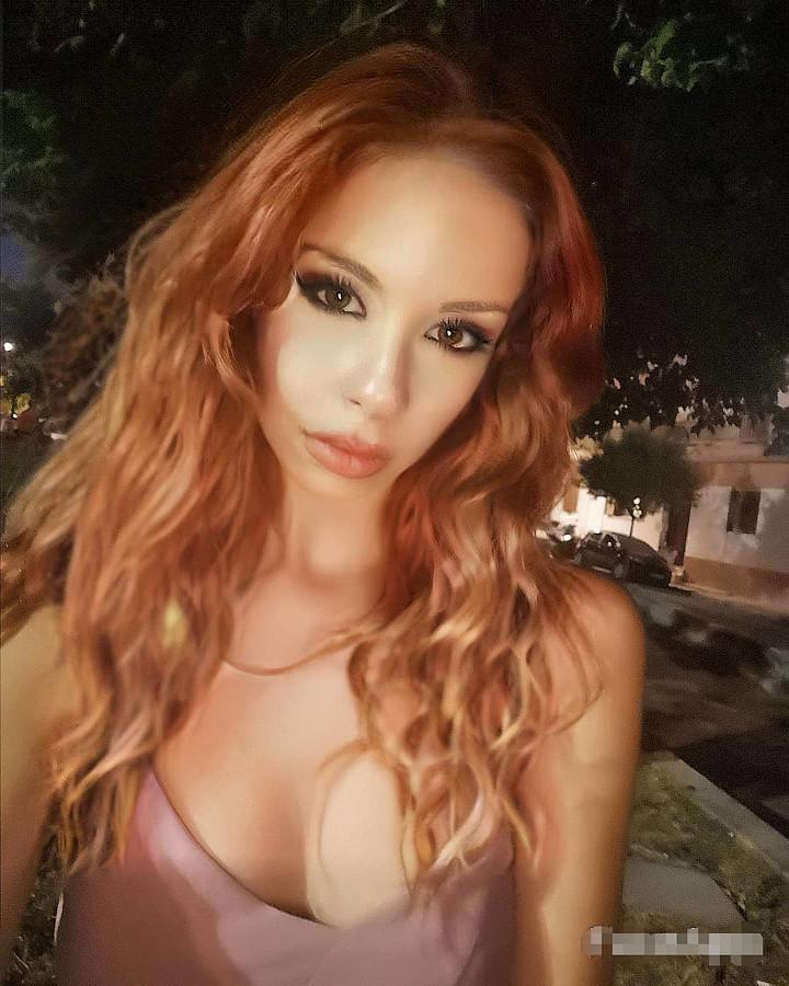 Olga Sehi model (μοντέλο). Photoshoot of model Olga Sehi demonstrating Face Modeling.Face Modeling Photo #231502