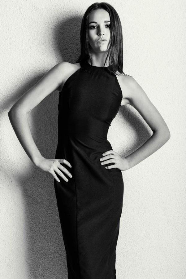 Olivia Lee fashion stylist. Modeling work by model Holly Mcdonald.Photographer: Sanny ChongModel: Holly McDonaldStylist: Olivia LeeHair & Makeup: Rebecca Joanne Photo #131620