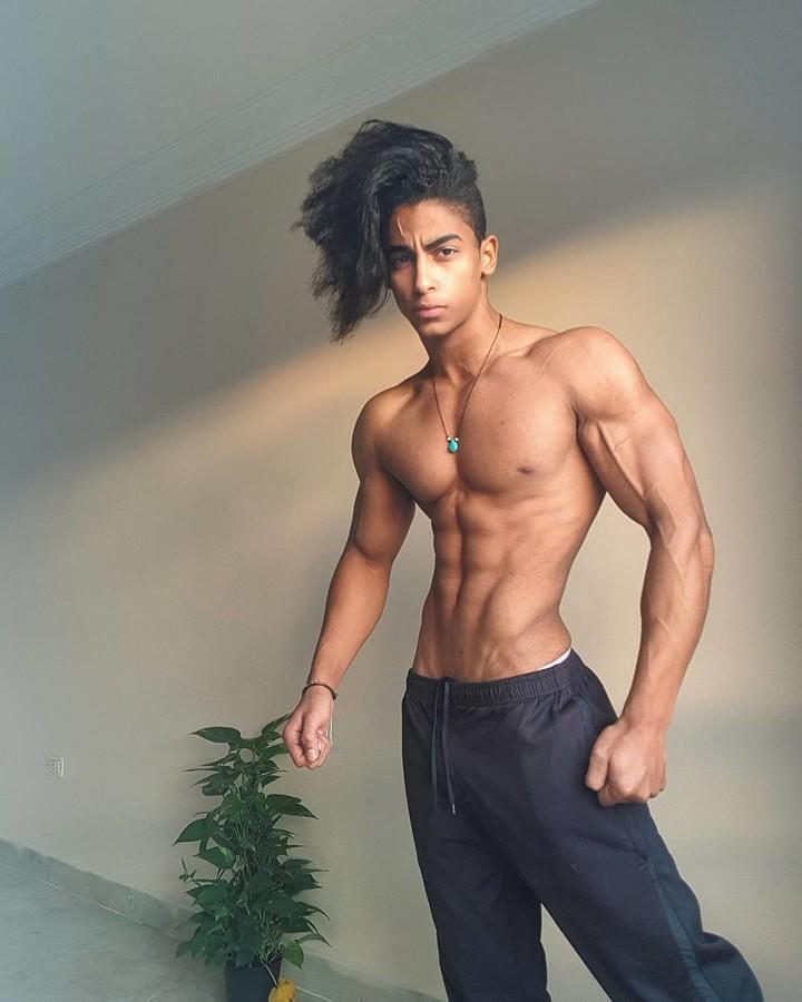 Omar Khaled Hussein model. Photoshoot of model Omar Khaled Hussein demonstrating Body Modeling.Body Modeling Photo #217139