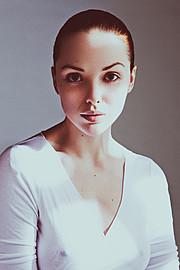 Osannda Hall model. Photoshoot of model Osannda Hall demonstrating Face Modeling.Pelle LanneforsFace Modeling Photo #109222
