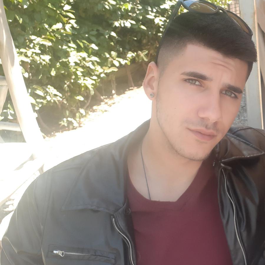 Panagiotis Kotrogiannos Μοντέλο