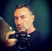 Freelance photographer, based in Venice Italy, expert in television and movies casting. Indipendent TV author & Producer. Black & White, Fas