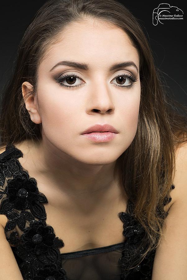 Paula Guarducci model (modella). Photoshoot of model Paula Guarducci demonstrating Face Modeling.model Paula Guarducciphotographer Massimo TodiscoPortrait Photography,Face Modeling Photo #109605