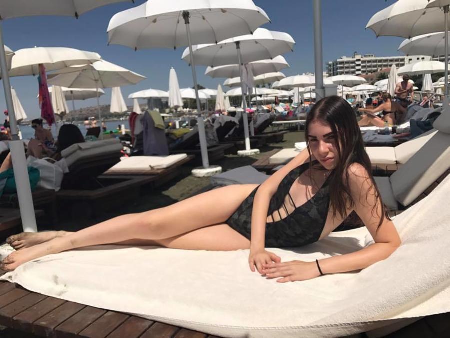 Pavlina Theodorou model. Photoshoot of model Pavlina Theodorou demonstrating Body Modeling.Body Modeling Photo #212554