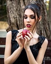 Pavlina Theodorou model. Photoshoot of model Pavlina Theodorou demonstrating Face Modeling.Face Modeling Photo #212555