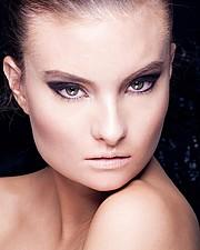 Penelope Heilmann model. Photoshoot of model Penelope Heilmann demonstrating Face Modeling.Face Modeling Photo #174978