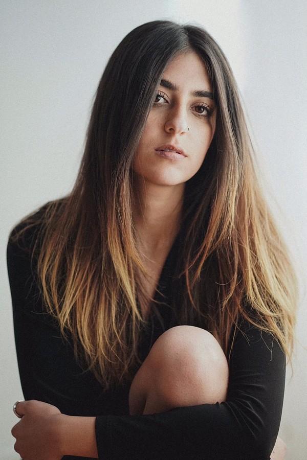 Pereen Salem model. Photoshoot of model Pereen Salem demonstrating Face Modeling.Face Modeling Photo #213639