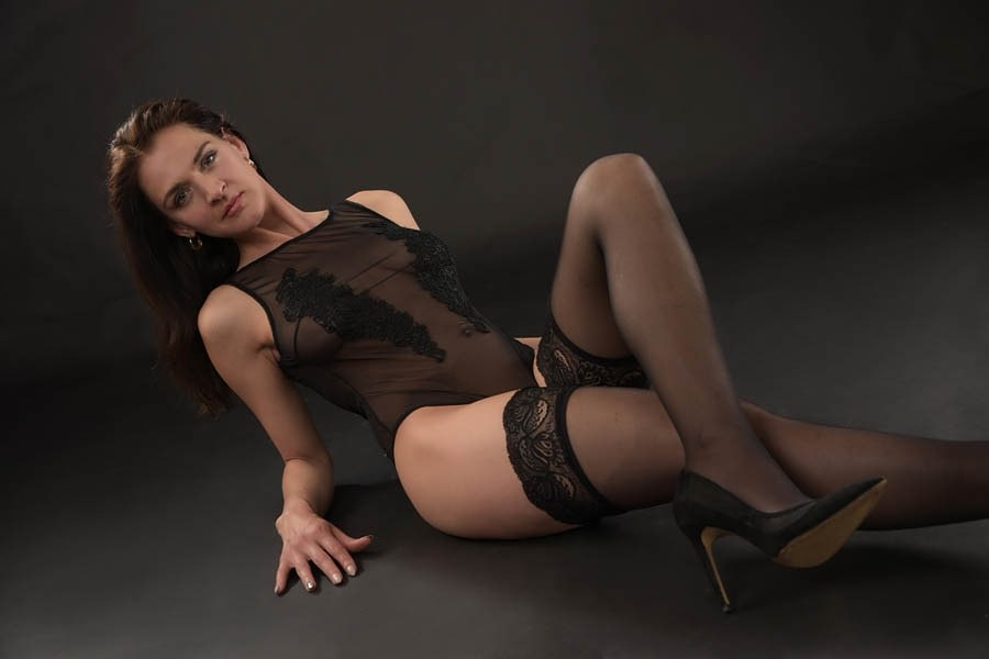 Pinar Ciftci model (modèle). Photoshoot of model Pinar Ciftci demonstrating Body Modeling.Body Modeling Photo #225684