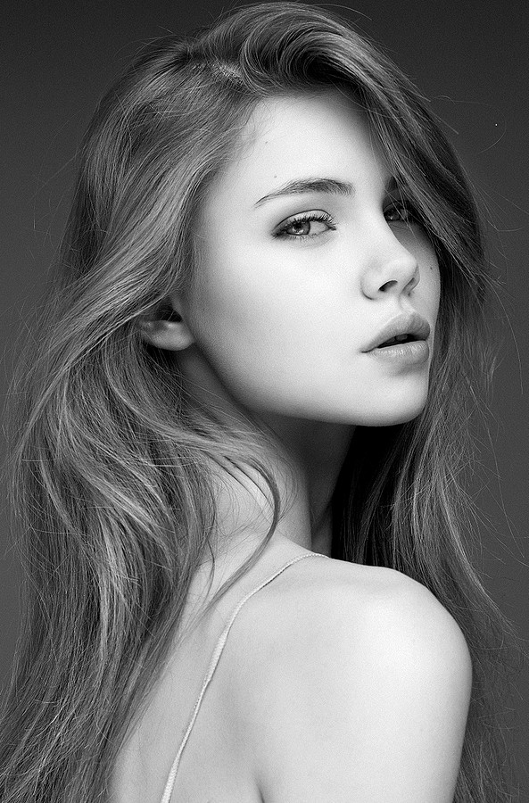 Polina Smirnova model (модель). Photoshoot of model Polina Smirnova demonstrating Face Modeling.Face Modeling Photo #112024