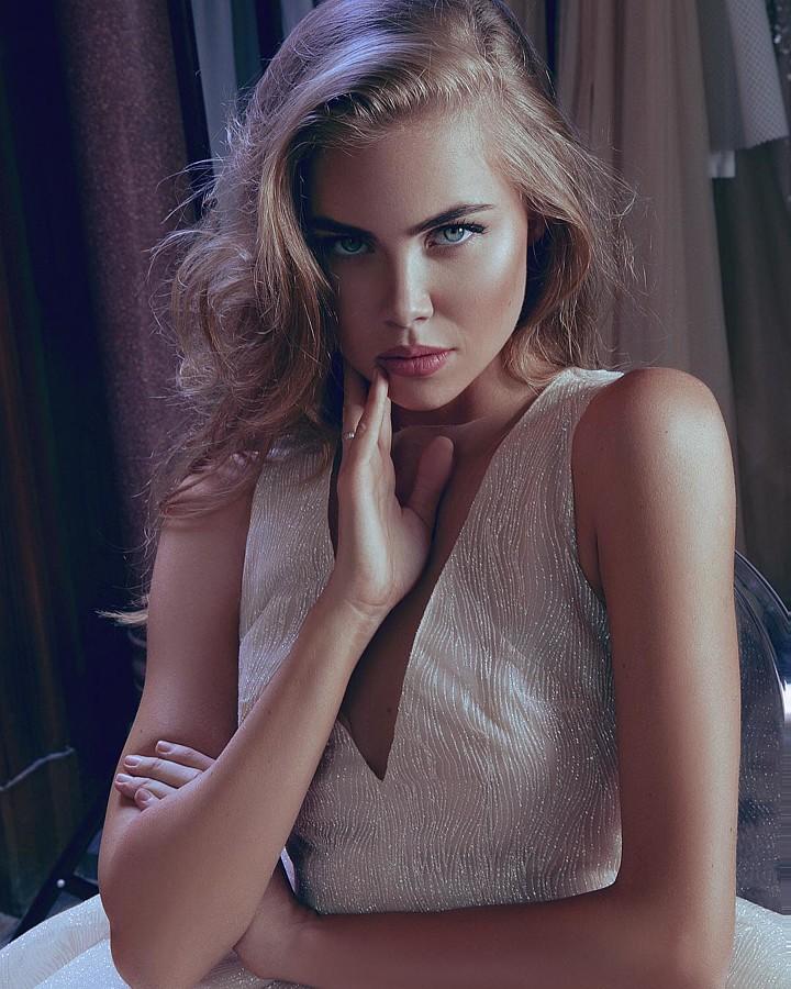 Polina Smirnova model (модель). Photoshoot of model Polina Smirnova demonstrating Face Modeling.Face Modeling Photo #195295