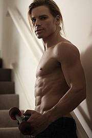 Pontus Duvsjo model. Photoshoot of model Pontus Duvsjo demonstrating Body Modeling.Body Modeling Photo #112591