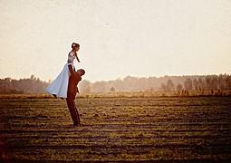 Przemyslaw Wrobel photographer (Przemysław Wróbel fotograf). Work by photographer Przemyslaw Wrobel demonstrating Wedding Photography.Editorial SceneWedding Photography Photo #104368