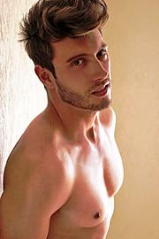 Ramiro Lozano model. Photoshoot of model Ramiro Lozano demonstrating Face Modeling.Face Modeling Photo #77570