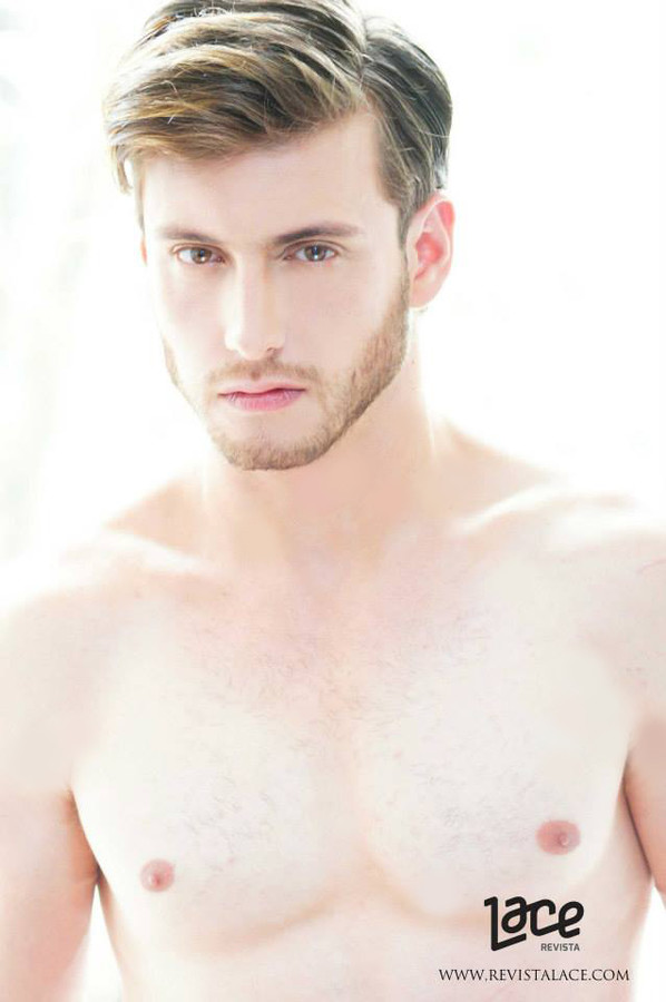 Ramiro Lozano model. Photoshoot of model Ramiro Lozano demonstrating Face Modeling.Face Modeling Photo #77568