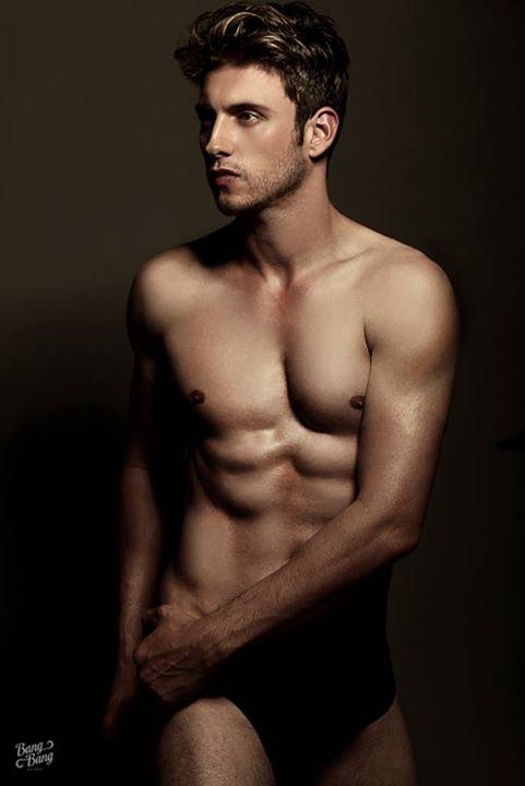 Ramiro Lozano model. Photoshoot of model Ramiro Lozano demonstrating Body Modeling.Body Modeling Photo #77589