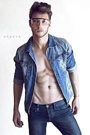 Ramiro Lozano model. Modeling work by model Ramiro Lozano. Photo #77591