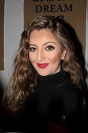 Reine Challita model (μοντέλο). Photoshoot of model Reine Challita demonstrating Face Modeling.Face Modeling Photo #216291