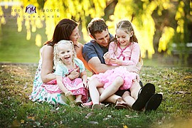 Renee Moore is a professional photographer shooting weddings, children and family photography in The Hunter, Newcastle, Port Stephens and Sy