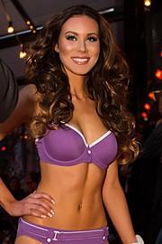 Riina Seise model (modèle). Photoshoot of model Riina Seise demonstrating Face Modeling.Face Modeling Photo #98236
