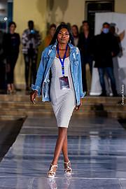 Riri Senoerita Joe professional model. Photoshoot of model Rita Joseph demonstrating Runway Modeling.Runway Modeling Photo #229782