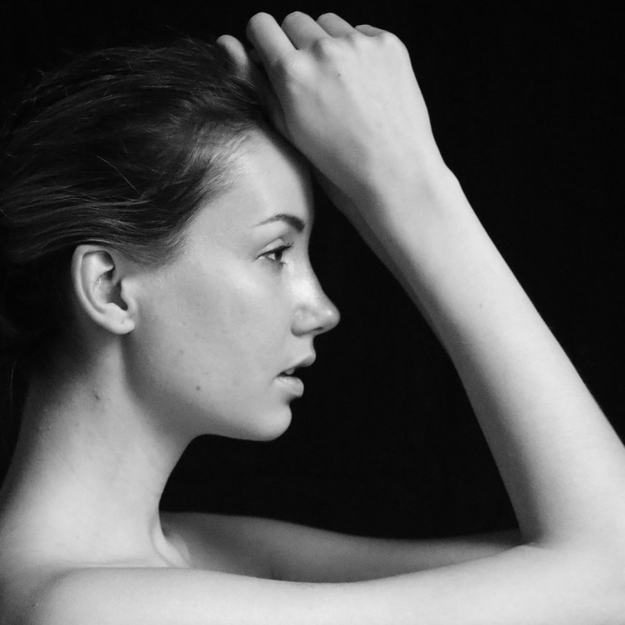 Rodvin Davis photographer (fotograaf). Work by photographer Rodvin Davis demonstrating Portrait Photography in a photo-session with the model Michaela Nováková (Brussels 2018).Model: Michaela Nováková (Brussels 2018)Portrait Photography Photo #1972