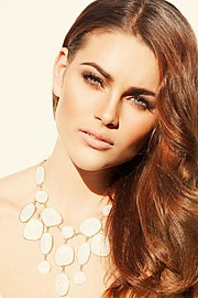 Rolene Strauss model. Photoshoot of model Rolene Strauss demonstrating Face Modeling.Face Modeling Photo #117825