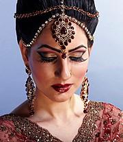 Roobia Din makeup artist & hair stylist. makeup by makeup artist Roobia Din. Photo #40312