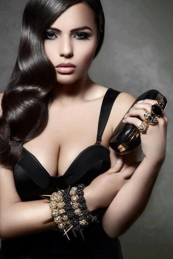 Sabina Ventriglia makeup artist. makeup by makeup artist Sabina Ventriglia.Bracelet,Purse Photo #57371