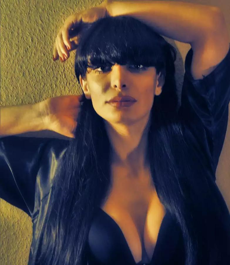 Sahra Djavanmardi Modell
