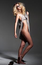 Samantha Autum model. Photoshoot of model Samantha Autum demonstrating Body Modeling.Body Modeling Photo #112705